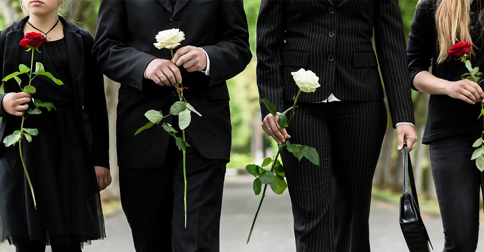 Differences between a funeral service and a memorial service